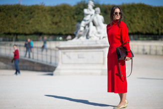 How to wear: red turtleneck, red midi skirt, gold leather ballerina shoes, burgundy leather tote bag