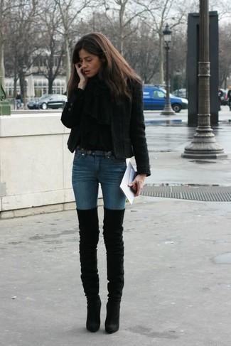 How to wear: black shawl, black tweed jacket, black turtleneck, blue skinny jeans