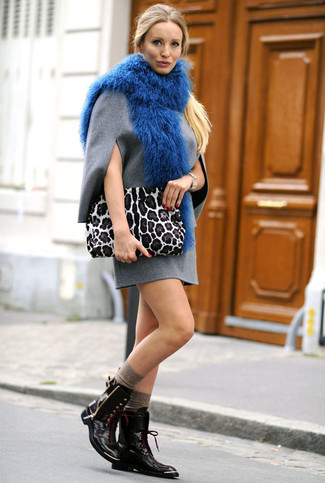 How to wear: grey wool shift dress, black leather lace-up flat boots, white leopard suede clutch, blue fur scarf