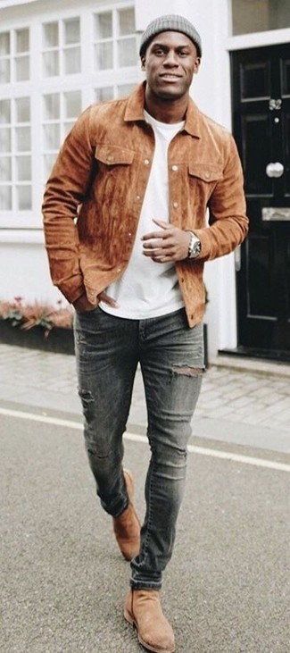 How to wear: brown suede shirt jacket, white crew-neck t-shirt, charcoal ripped skinny jeans, tan suede chelsea boots