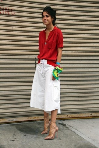 How to wear: red short sleeve blouse, white culottes, beige leather pumps, red belt