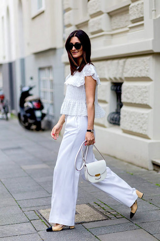 How to wear: white ruffle lace short sleeve blouse, white wide leg pants, beige leather pumps, white leather crossbody bag