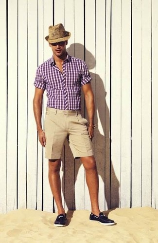 How to wear: purple gingham short sleeve shirt, beige shorts, navy leather boat shoes, tan straw hat