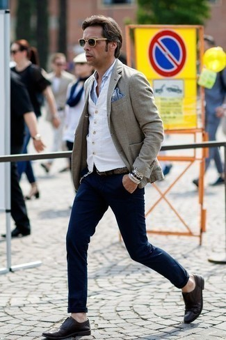 How to Wear Navy Chinos: The go-to for effortlessly smart menswear style? A grey blazer with navy chinos. To bring a bit of fanciness to your outfit, complete your outfit with a pair of dark purple leather oxford shoes.
