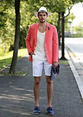 How to wear: blue suede derby shoes, white shorts, white crew-neck t-shirt, pink linen blazer