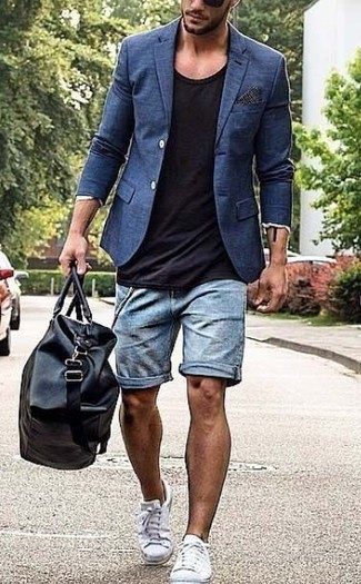 How to wear: white canvas low top sneakers, light blue denim shorts, black crew-neck t-shirt, navy blazer