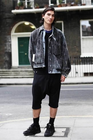 How to Wear Black Athletic Shoes For Men: Try teaming a charcoal denim jacket with black shorts for a no-nonsense getup that's also pulled together nicely. Go off the beaten track and shake up your outfit by slipping into black athletic shoes.