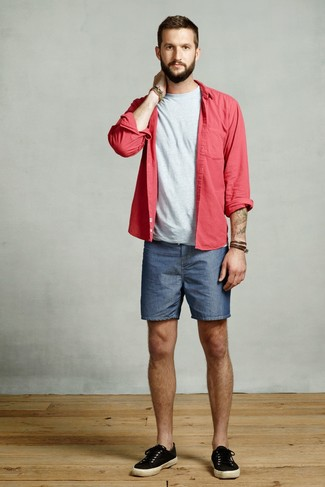 How to wear: black canvas low top sneakers, blue denim shorts, grey crew-neck t-shirt, red long sleeve shirt