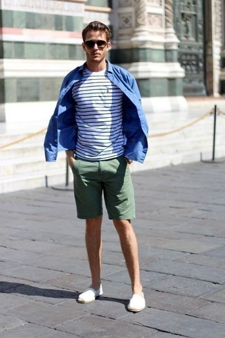 How to Wear Brown Sunglasses For Men: A resounding yes to this relaxed casual combination of a blue long sleeve shirt and brown sunglasses! A trendy pair of white canvas espadrilles is an effective way to inject an extra dose of elegance into this look.