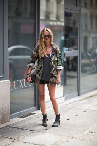 How to wear: black leather ankle boots, black denim shorts, charcoal crew-neck t-shirt, dark green camouflage military jacket