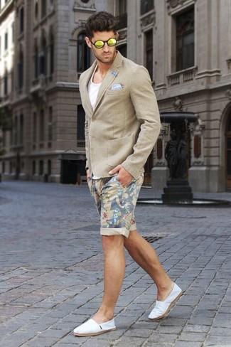 How to wear: white canvas espadrilles, beige floral shorts, white tank, beige blazer