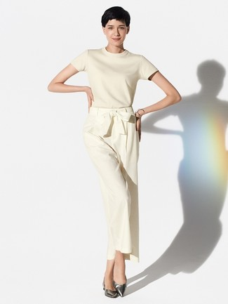 How to wear: silver bracelet, silver leather ballerina shoes, beige wide leg pants, beige short sleeve sweater