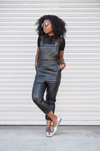 How to wear: grey sunglasses, silver leather loafers, black leather overalls, black polo