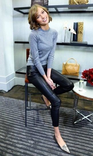 How to wear: mustard leather handbag, silver leather loafers, black leather skinny pants, grey crew-neck sweater