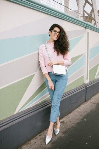 How to wear: white leather crossbody bag, silver leather loafers, light blue jeans, pink turtleneck