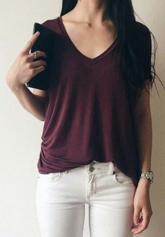 How to wear: silver watch, white skinny jeans, burgundy v-neck t-shirt