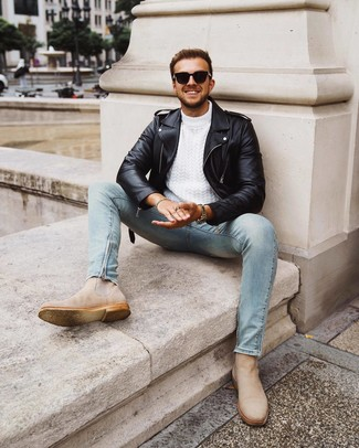 How to wear: beige suede chelsea boots, light blue skinny jeans, white cable sweater, black leather biker jacket
