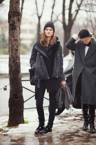 How to wear: black low top sneakers, black skinny jeans, charcoal coat, black sleeveless coat