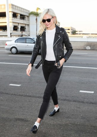 How to wear: black leather loafers, black skinny jeans, white crew-neck sweater, black leather biker jacket
