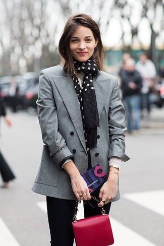 How to Wear a Black and White Polka Dot Scarf For Women: If you like a more casual approach to dressing up, why not opt for a grey double breasted blazer and a black and white polka dot scarf?