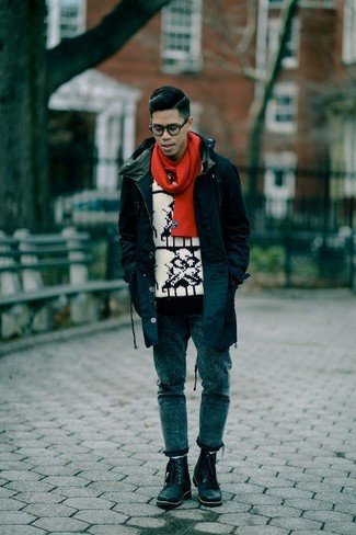How to wear: black leather brogue boots, navy skinny jeans, white and black print crew-neck sweater, navy fishtail parka