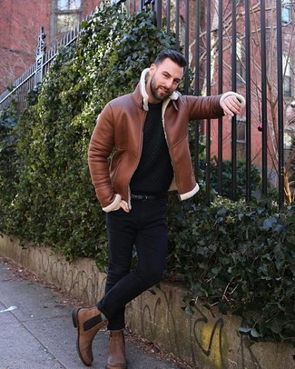 How to wear: brown leather chelsea boots, black skinny jeans, black knit crew-neck sweater, tobacco shearling jacket