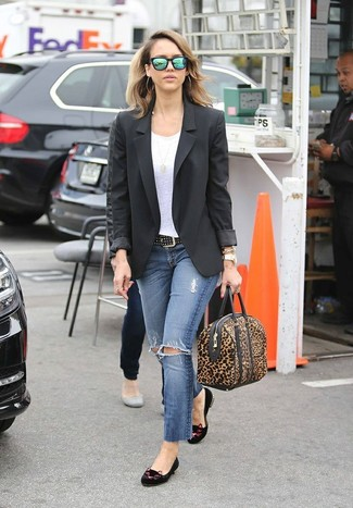 How to wear: black embroidered suede loafers, blue ripped skinny jeans, white crew-neck t-shirt, black blazer