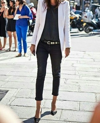 How to wear: black suede pumps, black skinny jeans, charcoal crew-neck t-shirt, white blazer