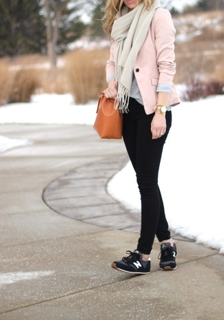 How to wear: black athletic shoes, black skinny jeans, grey crew-neck t-shirt, pink blazer