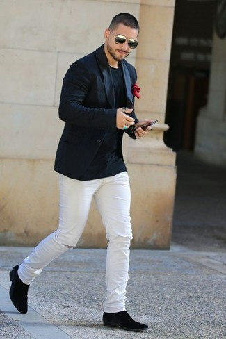 How to wear: black suede chelsea boots, white ripped skinny jeans, black crew-neck t-shirt, black blazer