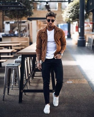 How to wear: white leather low top sneakers, black skinny jeans, white crew-neck t-shirt, tobacco suede bomber jacket