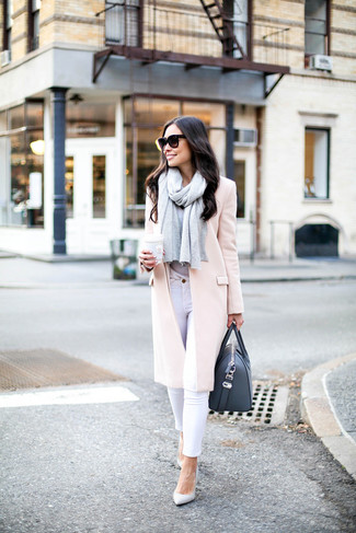 How to wear: white leather pumps, white skinny jeans, grey crew-neck t-shirt, pink coat