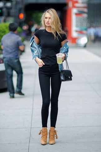 How to wear: tan suede ankle boots, black skinny jeans, black crew-neck t-shirt, blue denim jacket