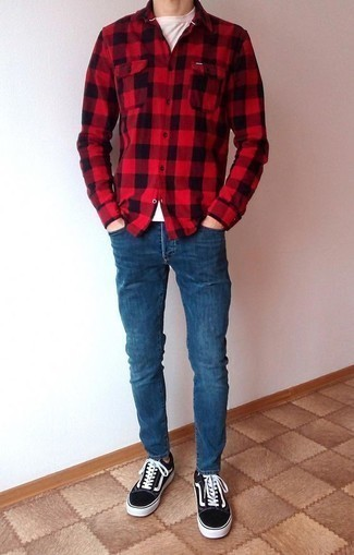 How to Wear Blue Skinny Jeans For Men: Choose a red gingham flannel long sleeve shirt and blue skinny jeans to pull together an urban and absolutely dapper outfit. Black and white canvas low top sneakers are an effective way to give an added dose of refinement to this ensemble.
