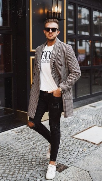 How to wear: white leather low top sneakers, black ripped skinny jeans, white and black print crew-neck t-shirt, brown houndstooth overcoat