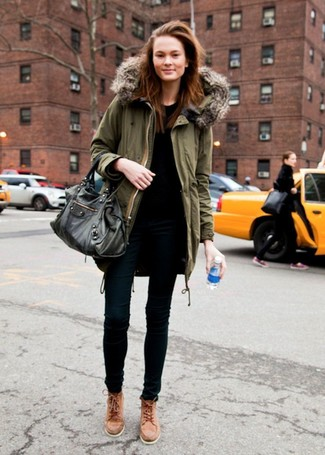 How to wear: tan leather high top sneakers, black skinny jeans, black crew-neck t-shirt, olive parka