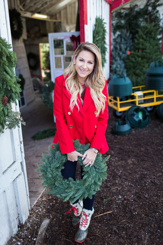 How to wear: olive snow boots, black skinny jeans, red plaid crew-neck t-shirt, red pea coat