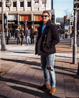 How to wear: brown suede desert boots, light blue ripped skinny jeans, white crew-neck t-shirt, black pea coat