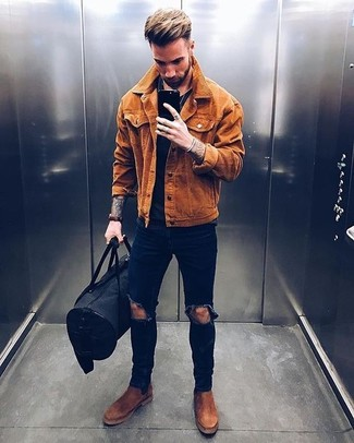 How to wear: brown suede chelsea boots, navy ripped skinny jeans, black crew-neck t-shirt, tobacco suede shirt jacket