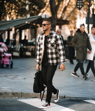 How to wear: black and white canvas low top sneakers, black skinny jeans, black crew-neck t-shirt, white and black plaid flannel shirt jacket
