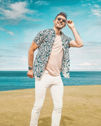 How to wear: brown sunglasses, white skinny jeans, beige crew-neck t-shirt, teal floral short sleeve shirt
