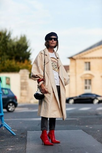 How to wear: black elastic ankle boots, black skinny jeans, white print crew-neck t-shirt, beige trenchcoat