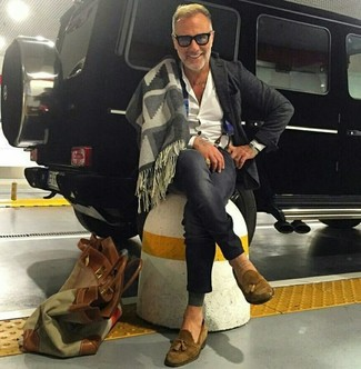 How to wear: brown suede tassel loafers, charcoal skinny jeans, white dress shirt, charcoal wool blazer