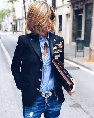How to wear: dark brown leather clutch, blue ripped skinny jeans, light blue dress shirt, black blazer