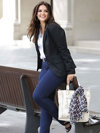 How to wear: black leather heeled sandals, navy skinny jeans, white dress shirt, black blazer