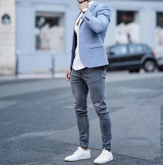 How to Wear a Light Blue Blazer For Men: Look amazing without really trying by wearing a light blue blazer and grey skinny jeans. Throw in white canvas low top sneakers et voila, the outfit is complete.