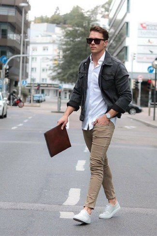 How to wear: grey canvas low top sneakers, khaki skinny jeans, white dress shirt, charcoal denim jacket