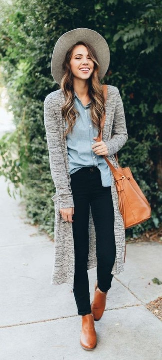 How to wear: tan leather ankle boots, black skinny jeans, light blue chambray dress shirt, grey open cardigan