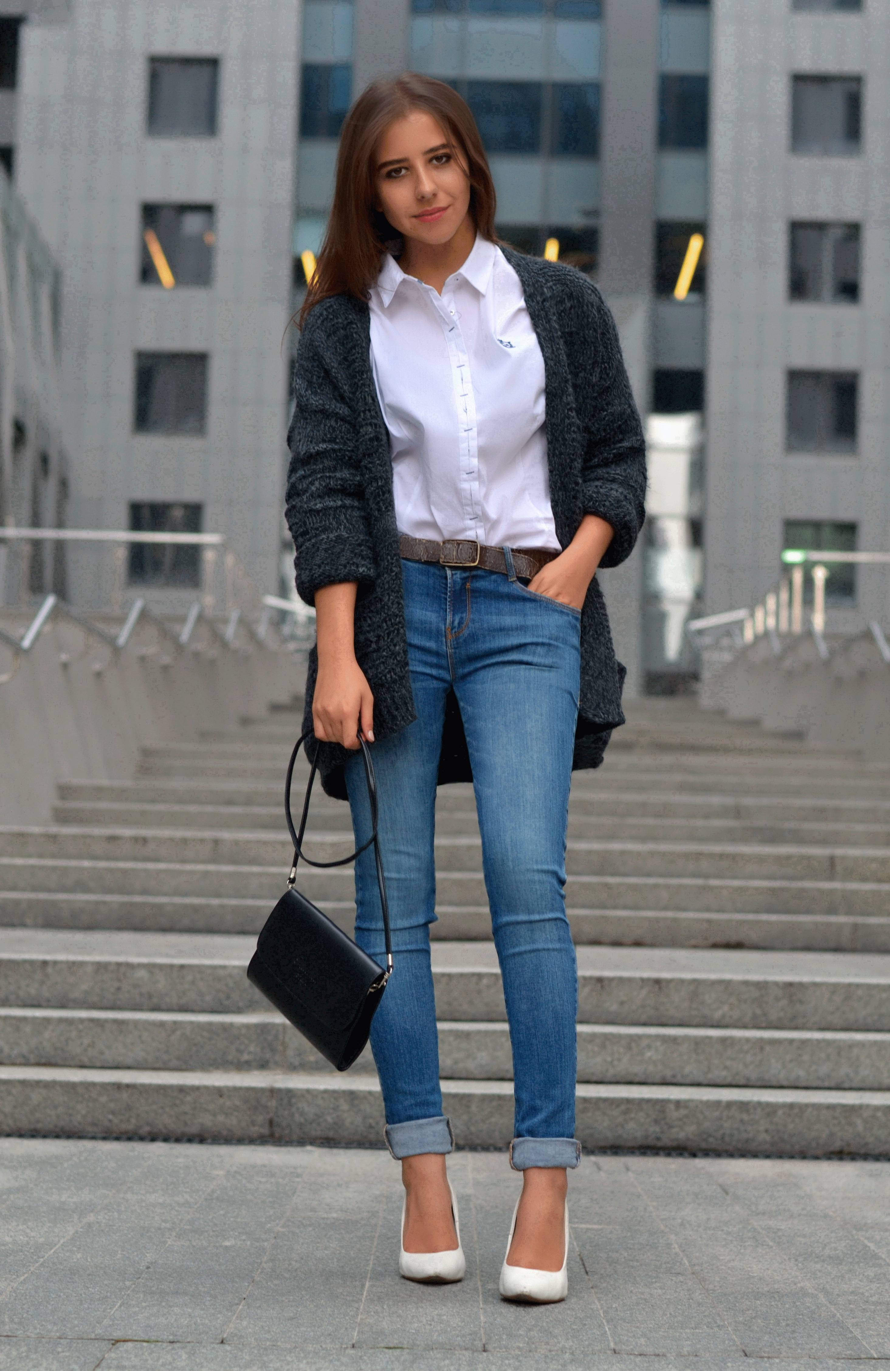 5d3c3564359 Jeans And White Shirt Outfits – EDGE Engineering and Consulting Limited