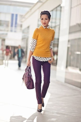 How to wear: dark purple leather pumps, dark purple skinny jeans, white and black polka dot chiffon dress shirt, mustard short sleeve sweater